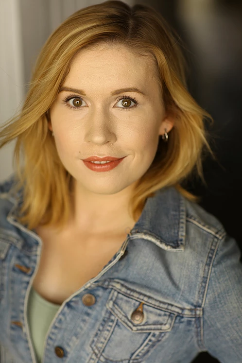 Headshot of Alexandra Kennon